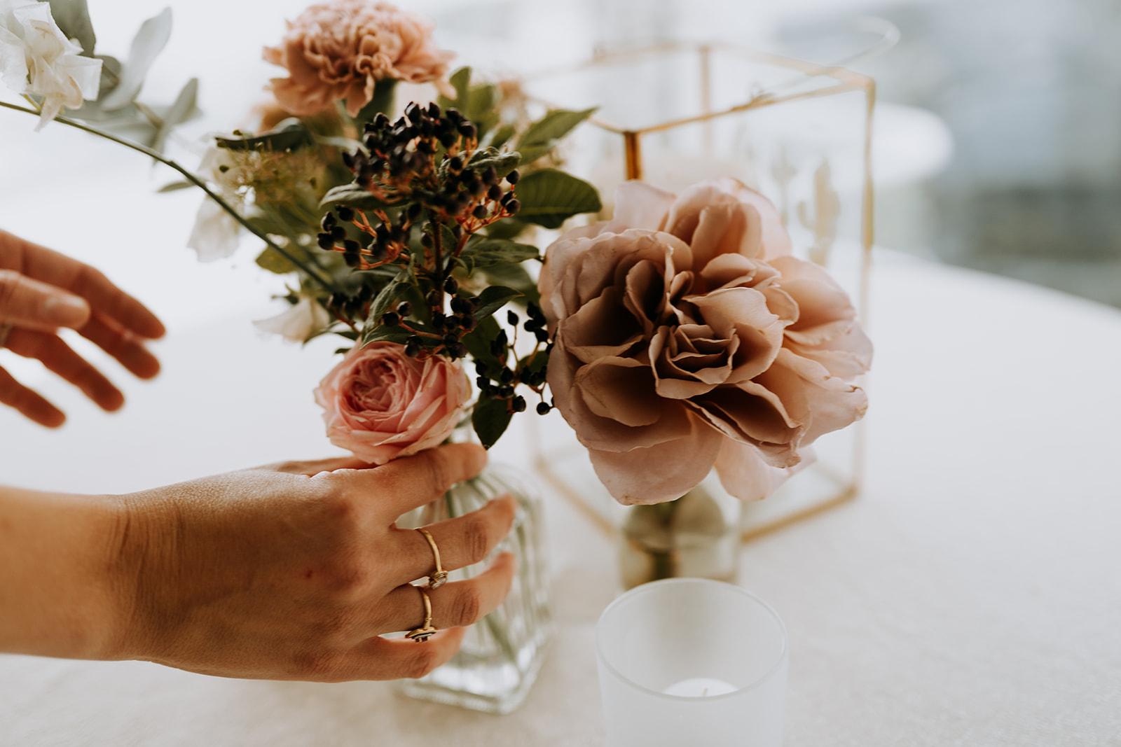 Compositions florales chic romantiques élégantes mariage bouquet nantesPays de la Loire
