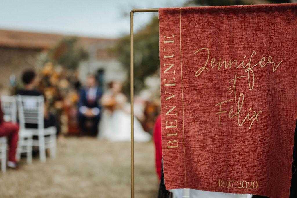 panneau signalétique bienvenue tissu mariage